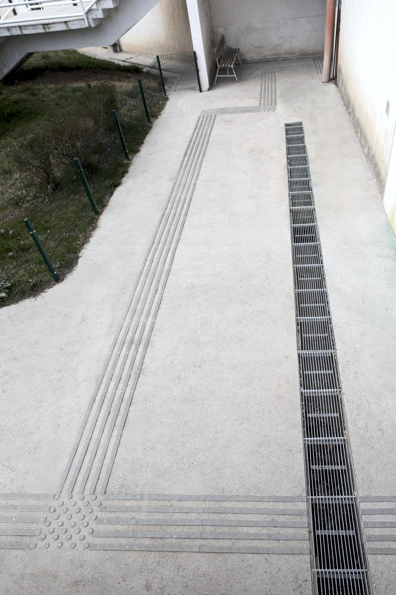 Tactile paths aluminium